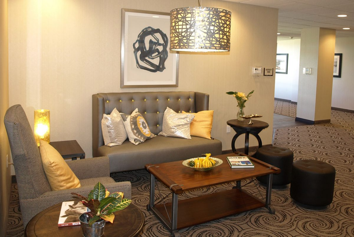 hotel at batavia downs guest lounge